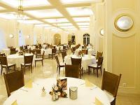 Anna Grand Hotel**** díszes étterme Balatonfüreden