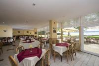 Hotel Familia balatonboglári szálloda étterme panorámával a Balatonra