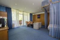 Olcsó hotelszoba a Balatonnál, Balatonbogláron a Hotel Familia szállodában
