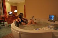 Hotel Aquarell Cegléd - szoba jakuzzival a 4 csillagos Wellness Hotel Aquarellben Cegléden