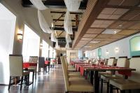 CE Plaza Hotel étterme Siófokon elegáns környezetben