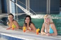Akciós wellness hétvége Cserkeszőlőn - Külső, belső medencék, élményfürdő