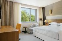 Hotel Sheraton Kecskemét akciós szabad kétágyas szobája luxus környezetben