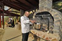 Fried Hotel Simontornya - a kastélyszálló ízletes grill ételekkel várja vendégeit