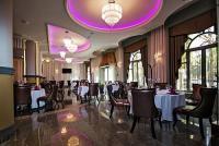 Grand Hotel Glorius**** étterme Makón gyönyörű környezetben