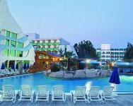 Hévíz Hotel NaturMed Carbona - Csúszdázás a szabadtéri élményfürdőben