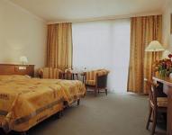Hotel Carbona négycsillagos luxusszállódája Hévizen - Kétágyas szoba a Naturmed Hotel Carbonában.