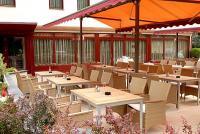 Sárvári Bassiana hotel terasza - Sárvári modern szálloda a Gyógy és wellnessfürdő közelében