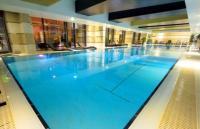 Hotel Divinus***** Debrecen úszómedence akciós wellness hétvégére