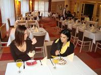 Esküvő helyszin a Dráva Hotelben Harkányban kiváló magyar konyhával romantikus környezetben