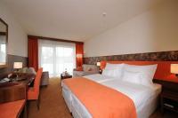 Szabad kétágyas szoba Szegeden a Forrás Hotelben
