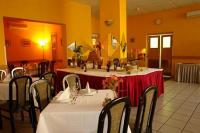 3* Hotel Griff étterme szép környezetben Budán a Bartók Béla úton
