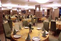 Három Gúnár Étterem Kecskeméten - a felújított négycsillagos szálloda étterme