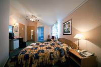 Kristály Hotel szabad kétágyas szobája a Balatonnál romantikus hétvégére