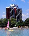 3 csillagos Hotel Marina Balatonfüreden közvetlenül a vízparton helyezkedik el