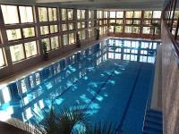 4* Wellness Hotel Bál Resort úszómedencéje Balatonalmádiban