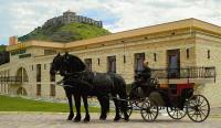 Kapitány Hotel Sümeg**** hotelben lovaskocsikázási lehetőség