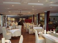 Duna Relax Felnőtt Hotel**** magyaros étterme
