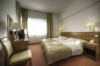 Szép és csendes hotelszoba a Balaton parton - Hotel Két Korona Balatonszárszó