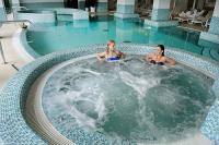 Wellness medence a Két Korona Wellness és Konferencia szállodában