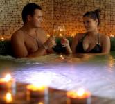 Nefelejcs Hotel wellness szolgáltatással wellness hétvégére jacuzzi-val