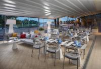Hotel Novotel Szeged**** panorámás terasza a Tisza parton