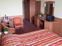 Hévízi szállodák és hotelek közül a Hotel Panoráma közvetlen összeköttetésben van a Szent András Gyógycentrummal