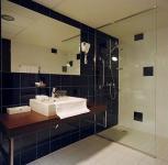 Hotel Park Inn Sárvár elegás és szép fürdőszobája