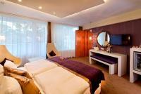 Hotel Residence erkélyes hotelszobája Siófokon akciós áron