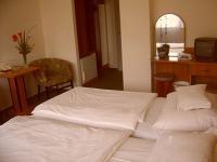 Olcsó balatoni szállás Siófokon közel a vízparthoz a Nostra Hotelben