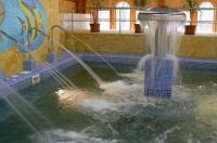 Hotel Termálkristály**** termál medencéje gyógyvízzel
