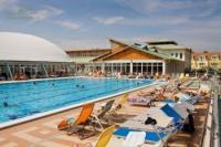 Thermal Hotel Mosonmagyaróvár*** kültéri wellness medencéje