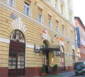 Unio Hotel Budapesten a Dob utcában, az Erzsébet körúthoz közel