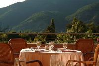 Termál Hotel Visegrád terasza panorámával a Dunakanyarra és a hegyekre