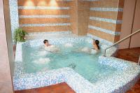 Wellness szálloda Kecskeméten - pezsgőfürdő az Aranyhomok Wellness Hotelben